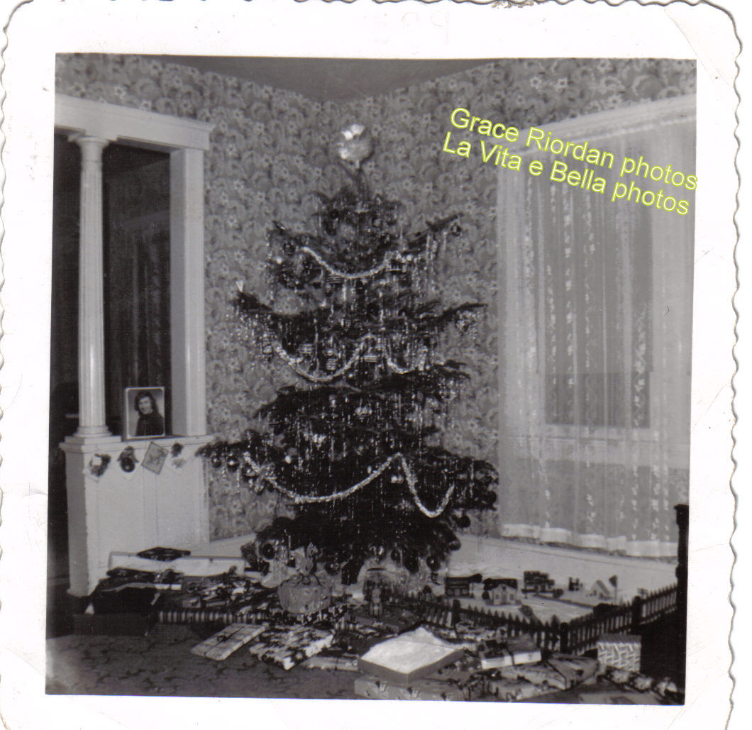 Old fashioned Christmas Tree   Life Is Beautiful-La Vita e Bella Weblog